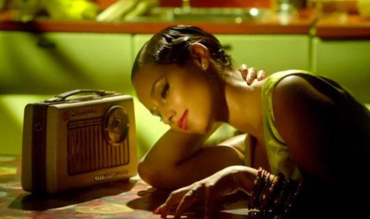 "AliciaKeys-girlonFire-01 New Video : ""Girl On Fire"" par Alicia Keys"