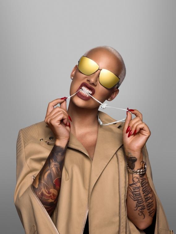 Beats-by-dre-got-no-strings-headphones-casque-sans-fil_Amber-Rose Beats by Dre : Casting all star pour la campagne « Got No Strings »