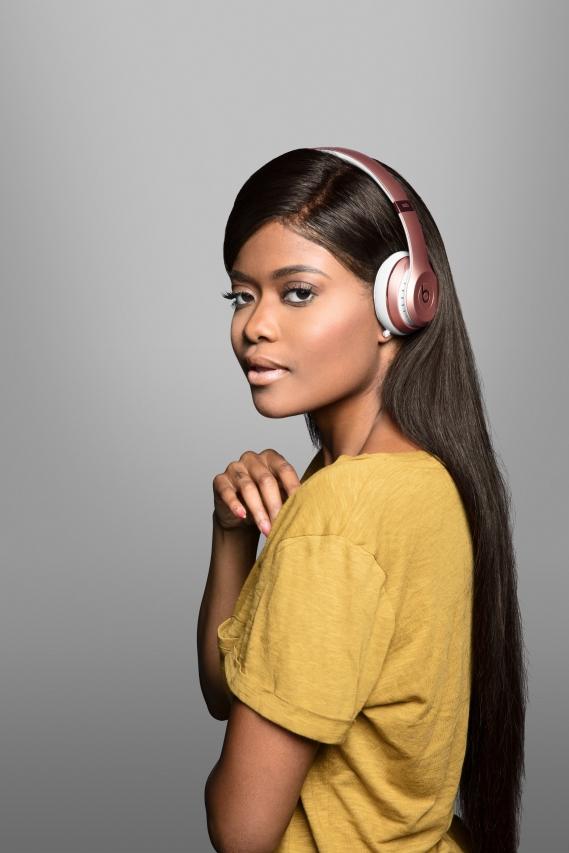 Beats-by-dre-got-no-strings-headphones-casque-sans-fil_Karen_Civil Beats by Dre : Casting all star pour la campagne « Got No Strings »