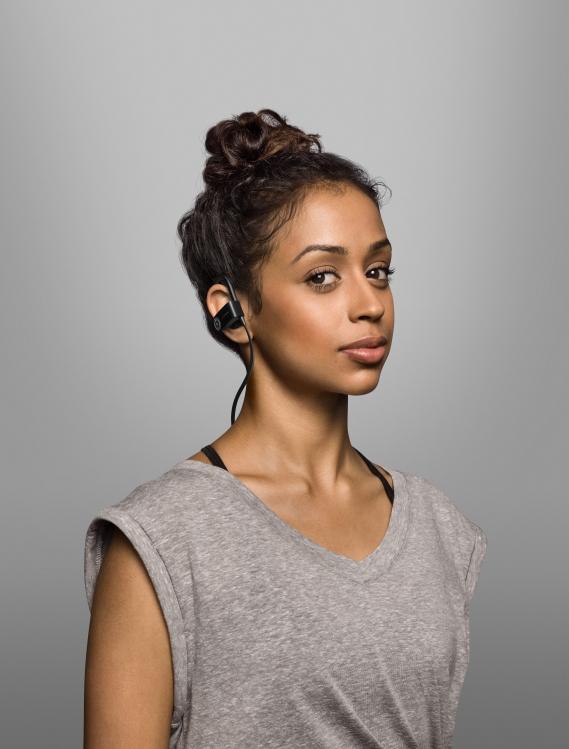 Beats-by-dre-got-no-strings-headphones-casque-sans-fil_Liza-Koshy Beats by Dre : Casting all star pour la campagne « Got No Strings »