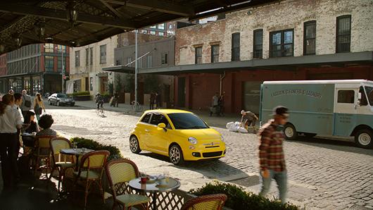 Fiat-Immigrants-1_500 Cap sur le soleil avec la nouvelle FIAT 500 S