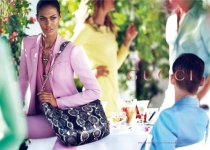 Joan Smalls & Karmen Pedaru pour Gucci Resort 2013