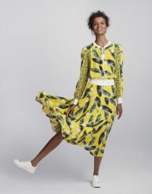 Liya Kebede pour Amazone Mode Cacharel Bomber Cacharel Skirt