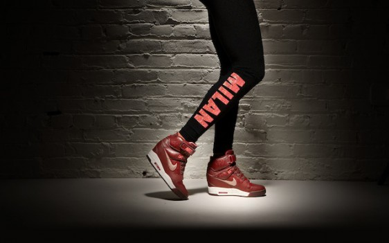 Nike WMNS Air Revolution Sky Hi City Pack