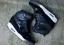 Nike Air Revolution Sky Hi QS home