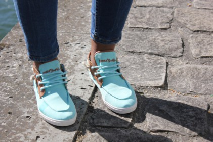 People swalk