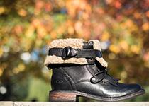 JENA, les bottes militaires en cuir par UGG Australia