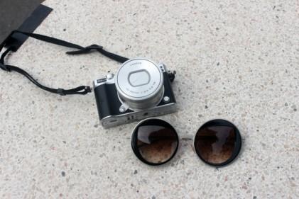 appareil photo j nikon lunettes de soleil peterandmaywalk