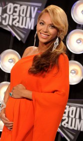 beyonce pregnant second child mtv vmas red carpet