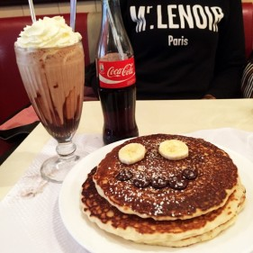breakfast in america restaurant americain paris