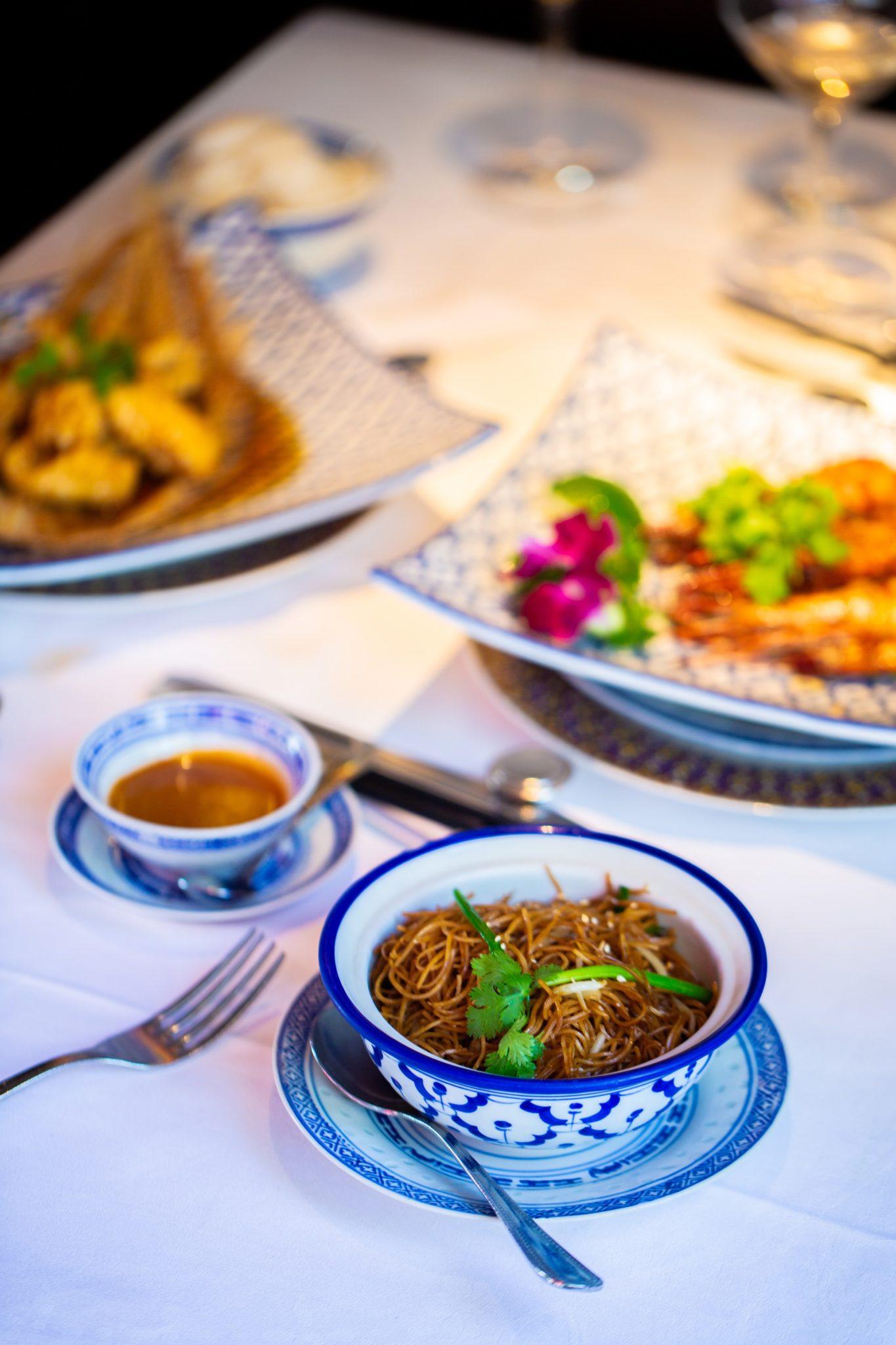 chez ly restaurant chinois paris 17 niel 12 min