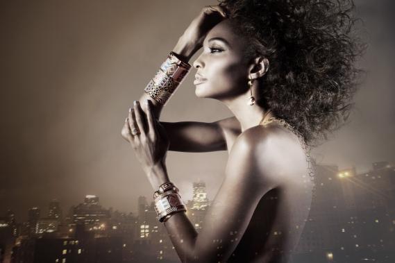 concours-bijou-freywille-noel-angelika-buettner_01 Concours : Gagnez un bijou FREYWILLE pour Noël