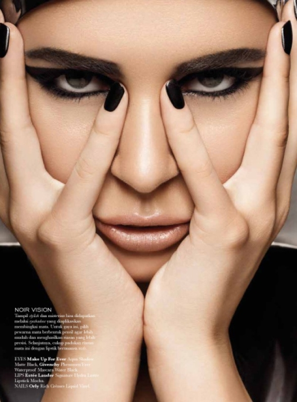 liza-shakira-elle-indonesia-01 Back to Black par Glenn Prasetya pour Elle Indonesia