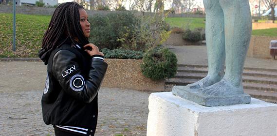 momy paris varsity streetwear Une