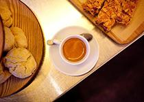 Promenade dans le 10ème : Coffee Bar Ten Belles
