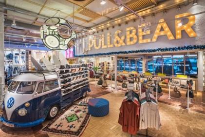 pullbear flagship paris cameron dallas opening rivoli paris