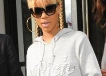 Rihanna est «Rich» et veut que vous le sachiez