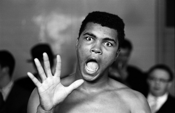 salon-art-shopping-carrousel-louvre-galerie-Jean-Denis-Walter-mohamed-ali-still-cassius-clay-Gerry-Cranham Le Salon Art Shopping met à l'honneur la photographie et le Street Art
