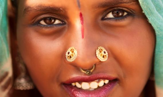 tendance-mode-piercing-septum-tribal-india Piercing au septum : Le nouvel accessoire en vogue