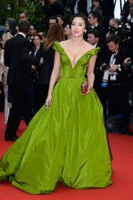 zhang yuqi ulyana sergeenko couture dress cannes